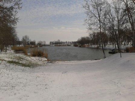 Fagyos téli látkép a tóról március 16-án