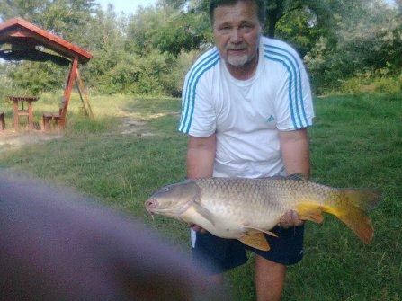 Botás Pista horgásztársunk és a 14 kilós potyka