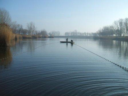 A nagyméretű húzóháló készen a lehalászásra